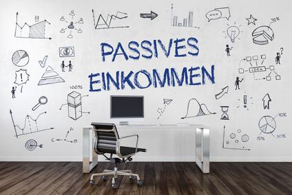 passives Einkommen - Büro Schreibtisch